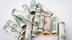 Все ругают доллар, но продолжают покупать