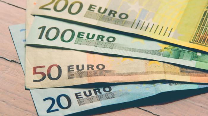 Европейцы платят безналом и копят наличность